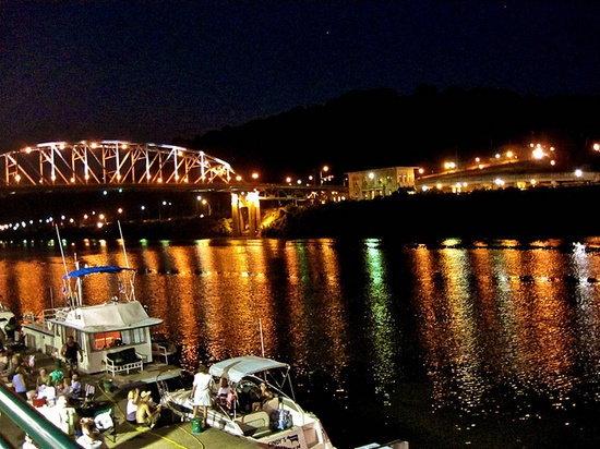 On the Kanawha River, Charleston, West Virginia ?