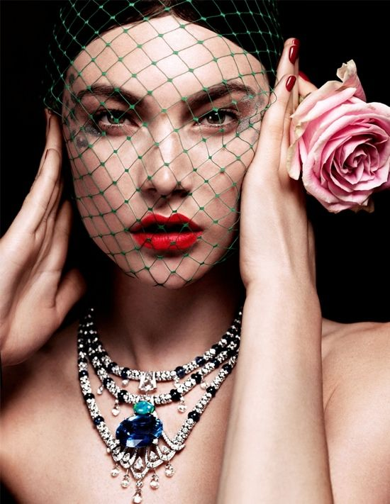 20 Carat Sapphire Necklace - with Diamonds Turquoise and Black South Sea Pearls. - Vogue Russia <3