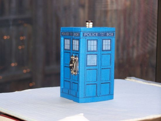 Will you be my companion?: The perfect ring box for a Whovian proposal