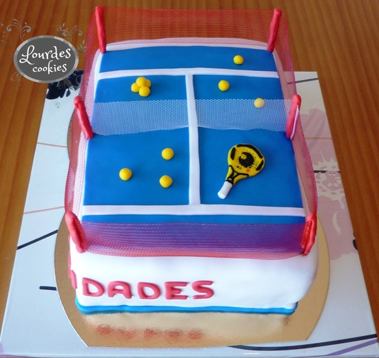 Tarta Pista de Pádel. Fondant. Blog de Lourdes cookies