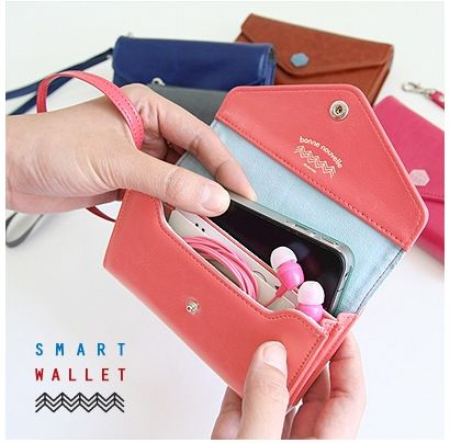 Cutest little cell phone wallet.  I want one of these.