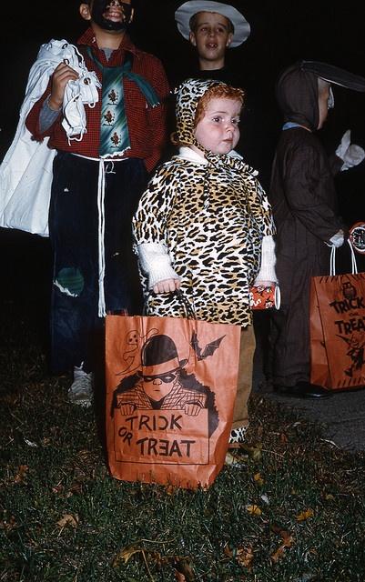 Vintage ginger Halloween cuteness! Eeeeeeee, soooo sweet!!! :) #1950s #Halloween #kids #costumes #candy #fifties #retro #leopard #ginger #redhead #red #hair #1960s