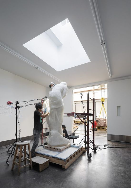 Another key feature of the project is a digital studio where Balls sculptures can be conceived using full-body digital scans. The artist creates stone sculptures that fuse digital technologies like CNC milling with traditional techniques to create copies of iconic artworks, such as Michelangelos Envy and Pieta Rondanini.