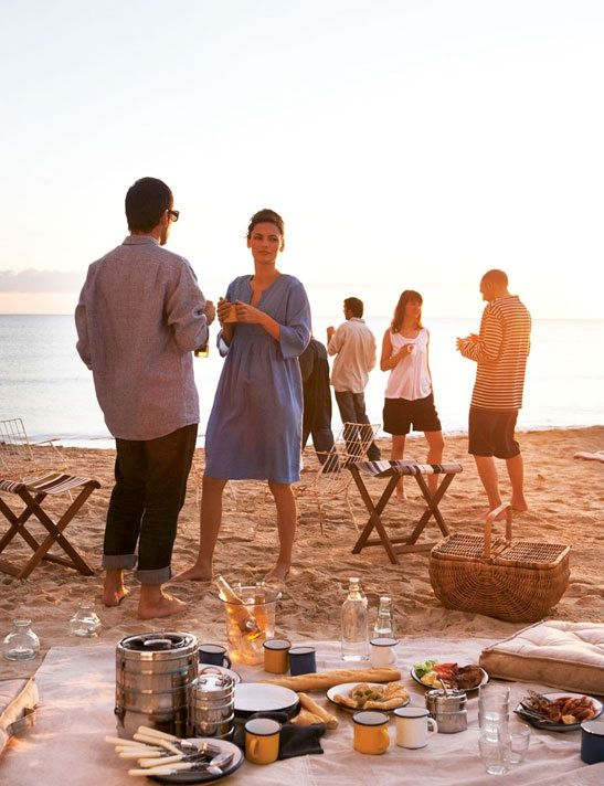 The art of the beach picnic.