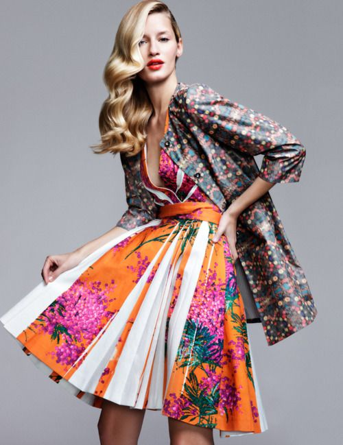 Mixed colourful & clashing prints and colour, pleats and cinched waist #fashion #style