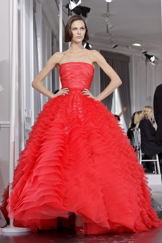 chrisitian dior haute couture  I want this dress for my collection :)