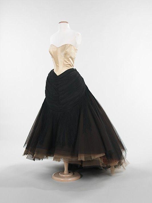 """""""Swan""""  Charles James (American, born Great Britain, 1906–1978)  Date: 1951 Culture: American Medium: silk"""