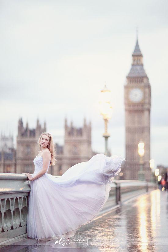 London. Flowing dress.  ??