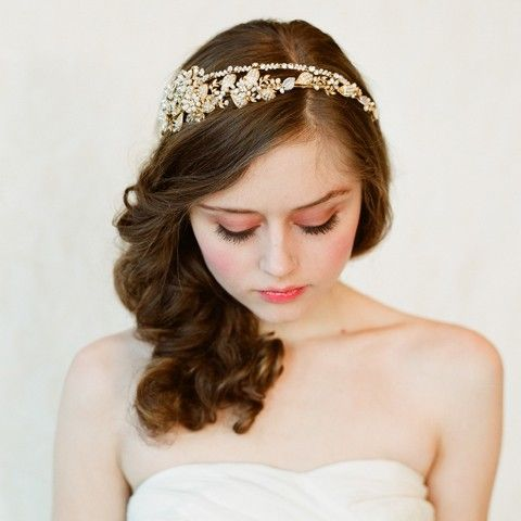 Sooooo pretty... Double band golden tiara. #wedding #bride #bridal #headband #gold #silver #pearls #rhinestones