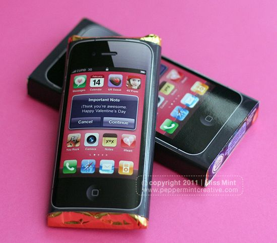 So cute! iPhone Candy Wrappers for Valentine's Day. Fits Hershey's, Crunch, Smarties, Reeses Pieces, Caramilk. Downloadable project from www.peppermintcre...