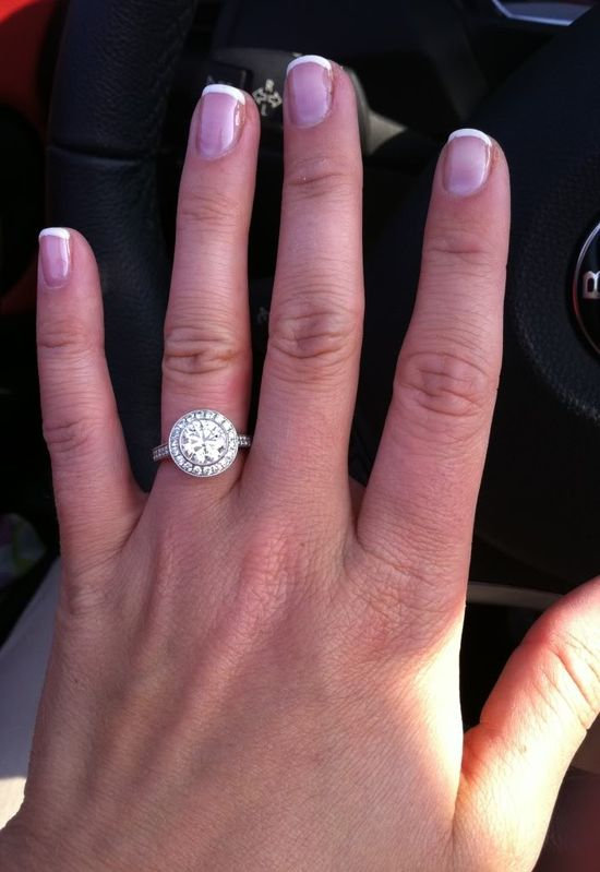 Tiffany Embrace engagement ring. This is my kind of ring !!! Hello gorgeous ?