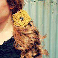 No-sew fabric flowers do double duty as hair accessories and brooches.