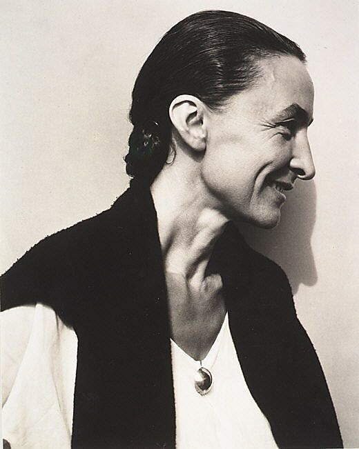 Georgia OKeeffe - dressed in black and kept her house minimalist in color and content so it wouldnt compete with her focus on her paintings (which were vibrantly colored)
