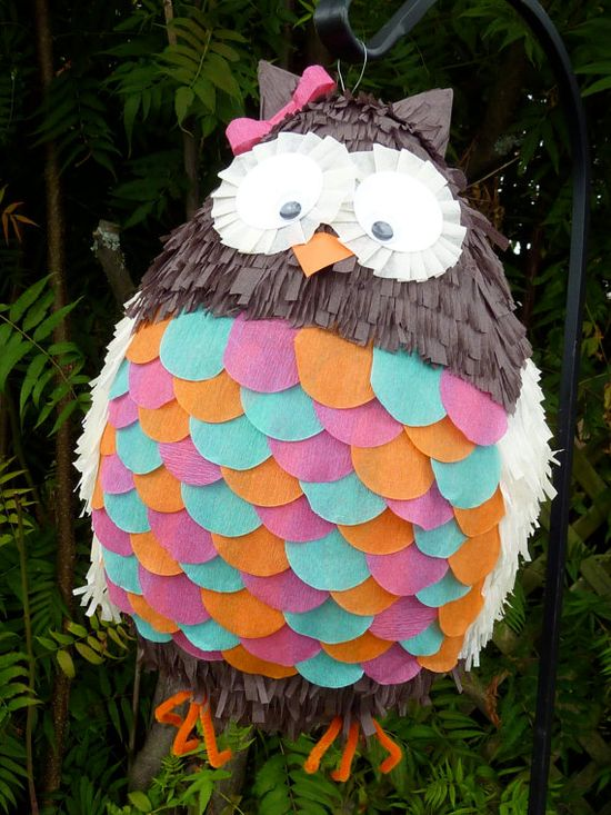 Owl pinata! Okay, so my niece needs to have an owl themed birthday party just so I can make this!