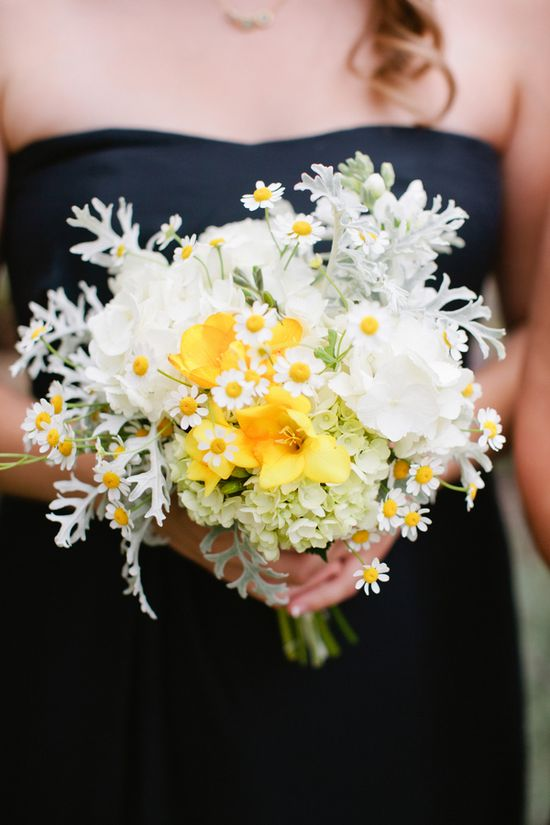 sweet + easy bridesmaids' bouquet // photo by MeganAnnPhotograp...