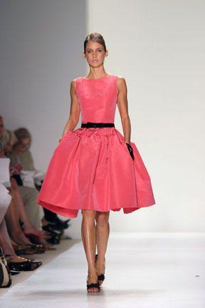 THE ultimate Carrie Bradshaw dress - pink Oscar de la Renta. I die.