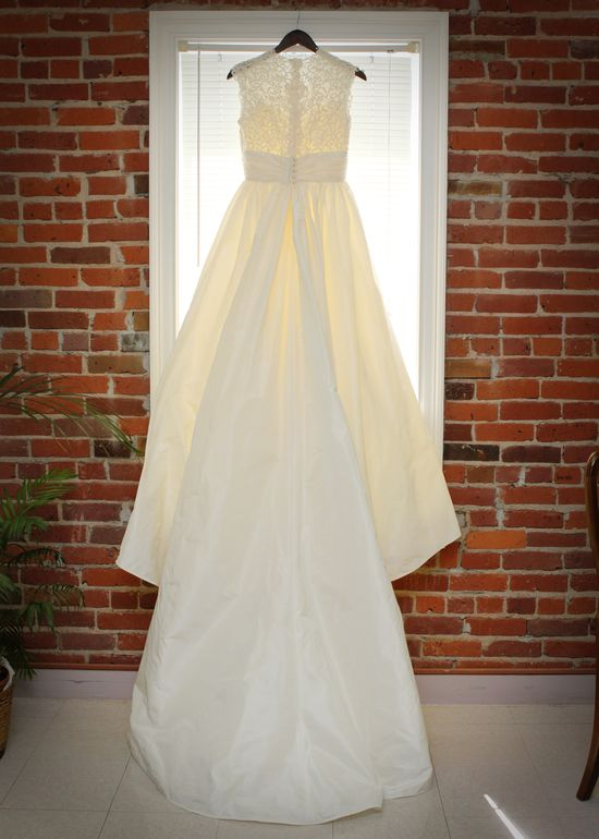 Weddings - Wedding Dress Photo