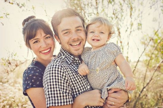 a gorgeous family photo love these @Tricia Guthrie would be nice to find a nice grass area :)