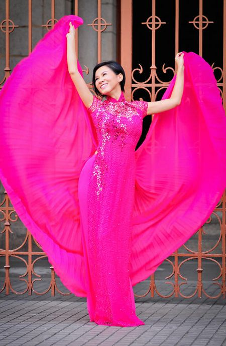 Pink Ao Dai Wedding. Can you over do? Absolutely this ao dai dominate the model/wearer, maybe tone down with silver pant?