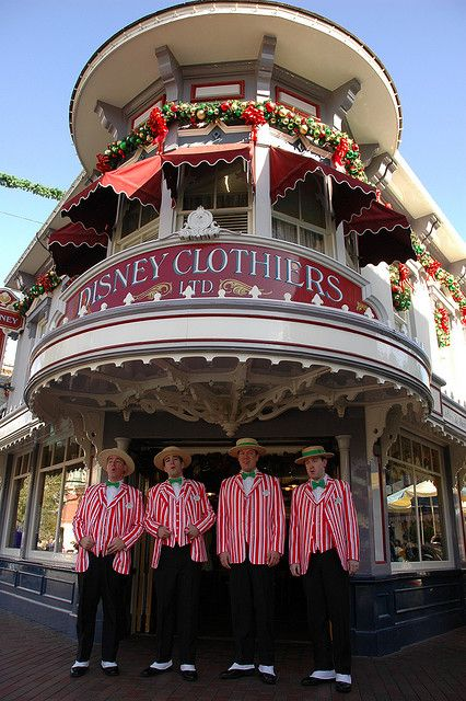 Disneyland Main Street Dapper Dans