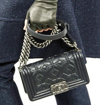 Love!!! Fashion Week Handbags: Chanel Fall 2012 Chanel