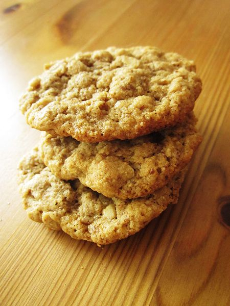 Chewy Gluten-Free Oatmeal Cookies