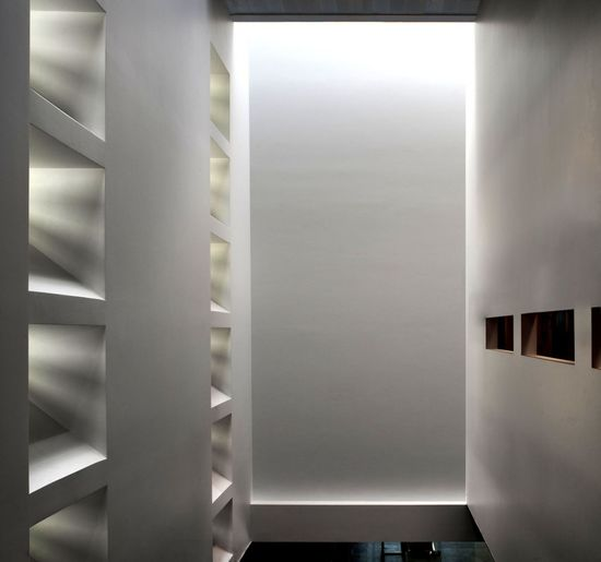 Light entering the interior of the Law-Court Offices in Venice by C+S Architects.