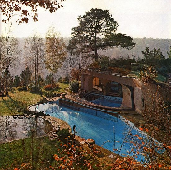 """A Cave of the Year 2000"", hillside home designed by Jacques Couëlle, Réalités Magazine, October 1969."