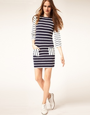 Love navy and white stripes