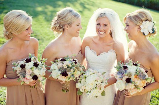 http://2.bp.blogspot.com/-r9YH5mTjLqU/UBmxCD_l9XI/AAAAAAAAAdw/7VdARDV1z6A/s1600/wedding+day+succulent+11.jpg