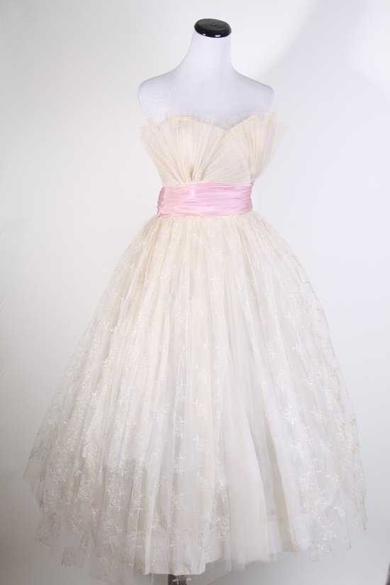 1950s Wedding Dress / Pink Dress / Dress / Dresses / Strapless / Bombshell / Pinup / Mad Men / Couture/ Fashion / Lace Wedding Dress / 0963. $319.20, via Etsy.