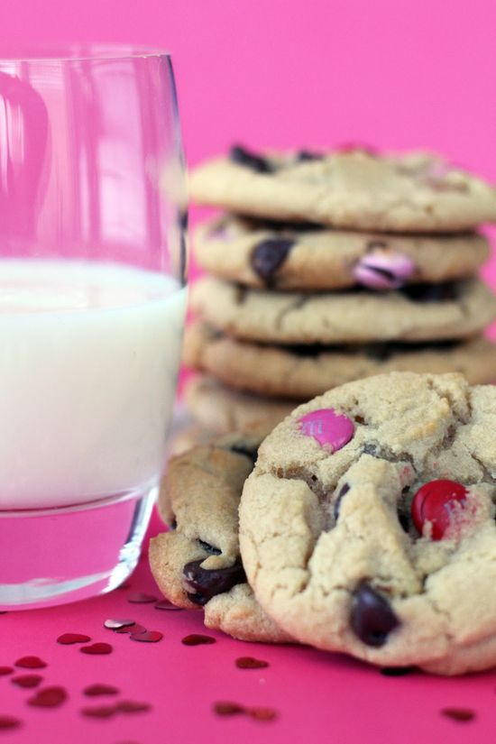 Worth Pinning: Chocolate Chip Cookies with Valentine's M