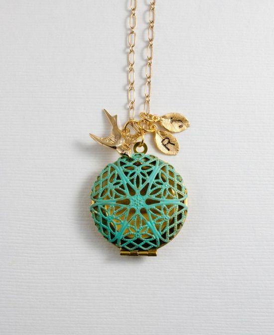Beautiful locket that can be personalized