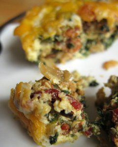 Slow Cooker Bacon and Cheese Quiche - This slow cooker breakfast recipe only takes 10 minutes to prepare. Then, let it cook...