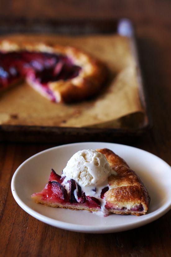 Pluot and Ginger Crostata // HonestlyYUM #pie #dessert #recipe