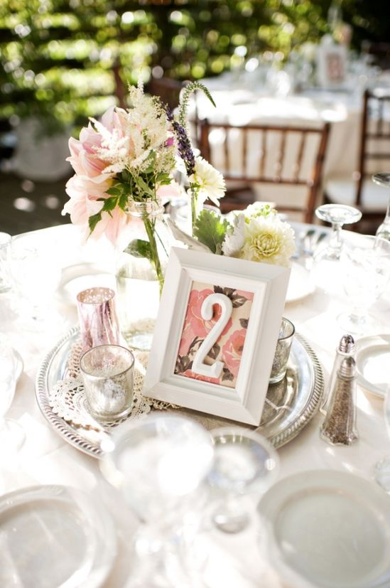 love these centerpieces - simple and romantic