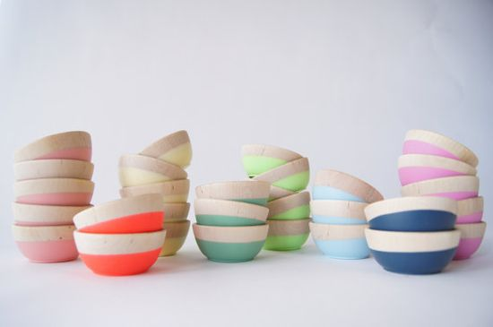 Gorgeous handmade wooden bowls on Etsy. Colors makes us so happy.