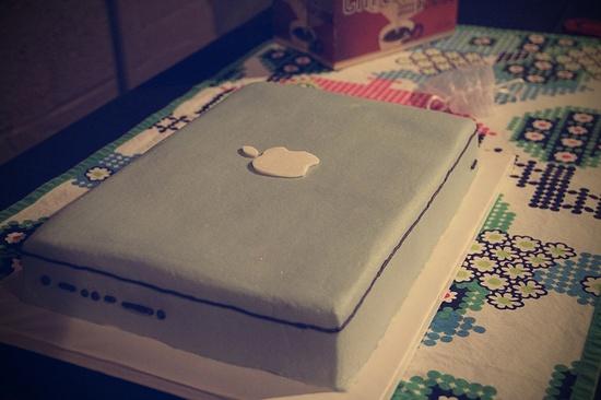 MacbookPro cake!
