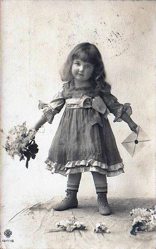 Vintage Postcard ~ L