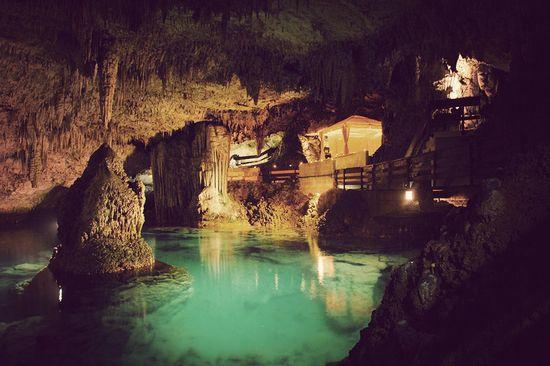 Grotto Bay Beach Resort / BAILEY'S BAY, BERMUDA