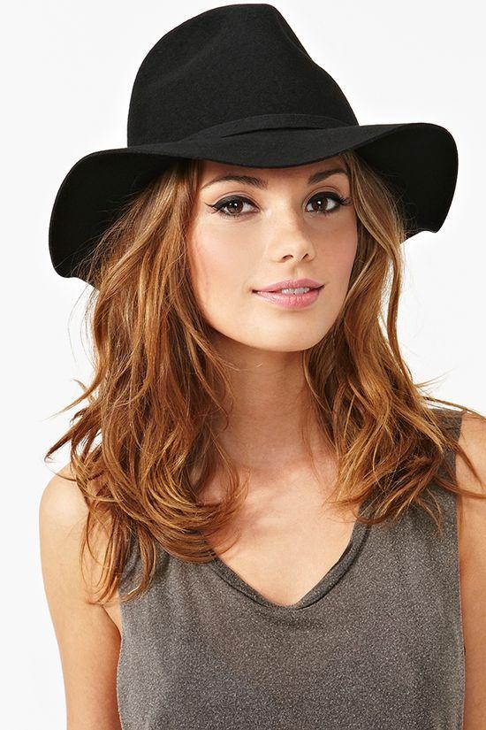 Chelsea Wool Hat in Black