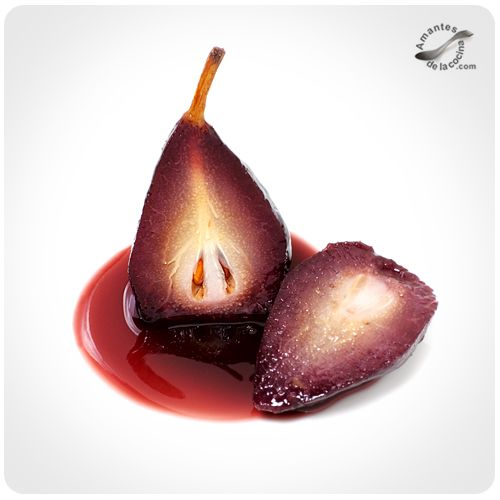 Try this amazing pears cooked in red wine and spices.   {Spanish with translation in side bar}