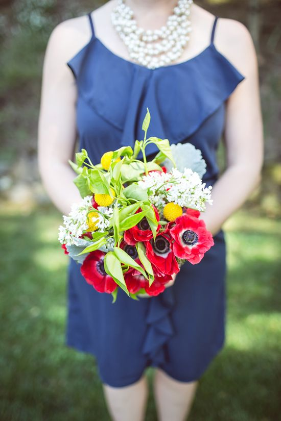 patriotic bridesmaid bouquet // photo by Orange Blossom Photography // florals by LC Floral Design