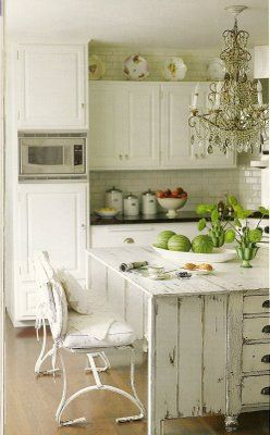 Lovely white kitchen!