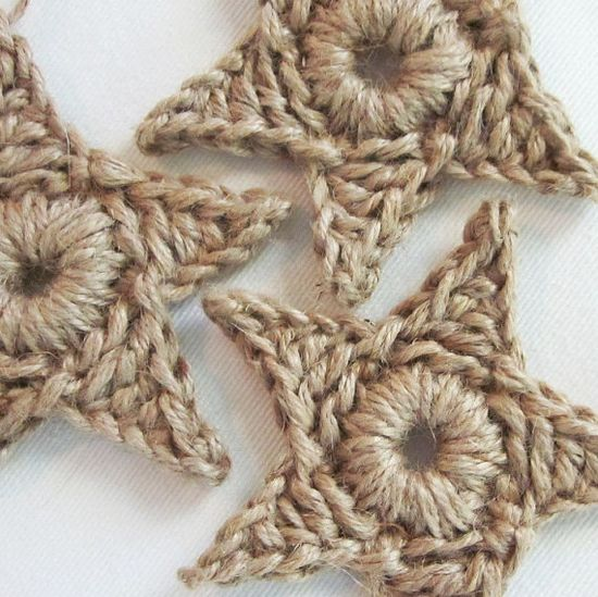 crochet stars. really sweet to hang on the tree.
