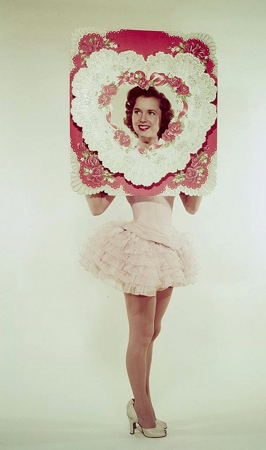 Debbie Reynolds wishing everyone a very happy Valentine's Day,1950. #vintage #1950s #Valentines #actress #heart #pink