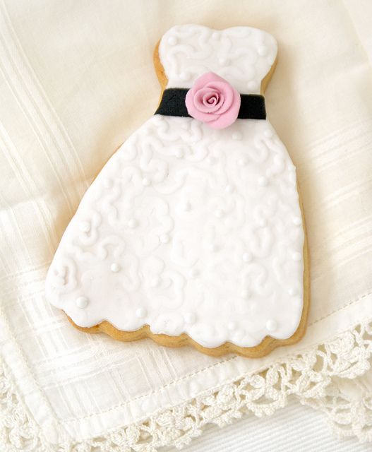 Party dress cookie by Icing Bliss, via Flickr
