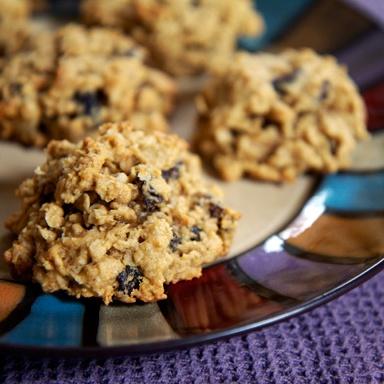 Healthy Dessert: Peanut Butter Oatmeal Raisin (and Bean!) Cookies