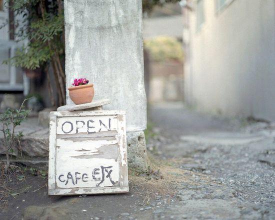 little cafe sign
