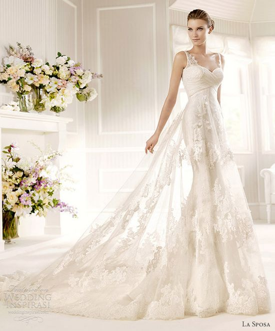Wow! This wedding dress is truly beautiful..